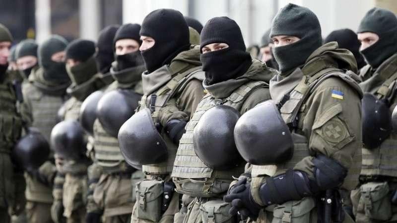 Военного положение на Украине. Первый день хаоса