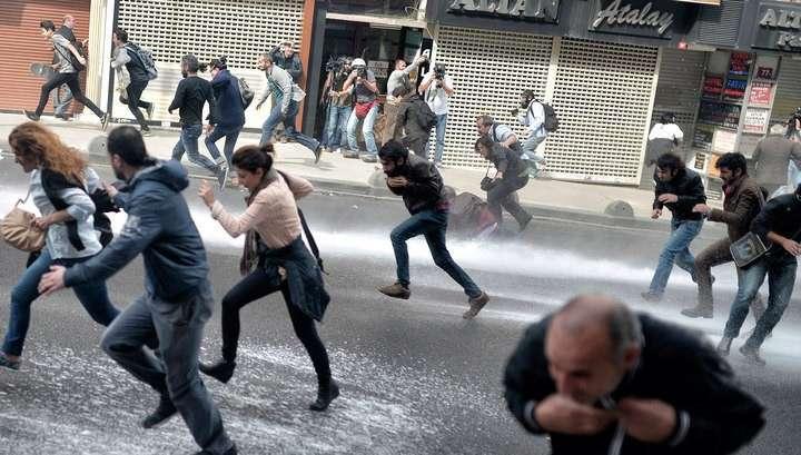 В беспорядках на востоке Турции погибли 15 человек