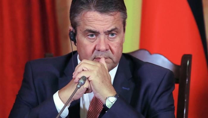 Экс-глава МИД ФРГ: Украина пыталась втянуть Германию в войну