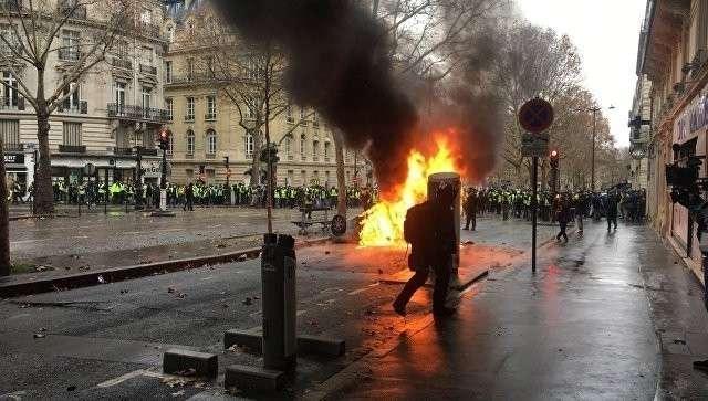 Французская версия Майдана: Париж принял эстафету Киева