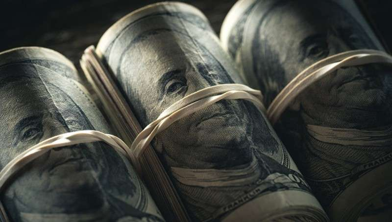Доллару США предрекли 30-процентный обвал и лишение статуса мировой резервной валюты