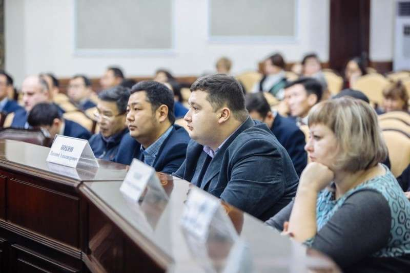 Мэр Якутска Сардана Авксентьева нашла чиновникам достойную замену новогоднему корпоративу