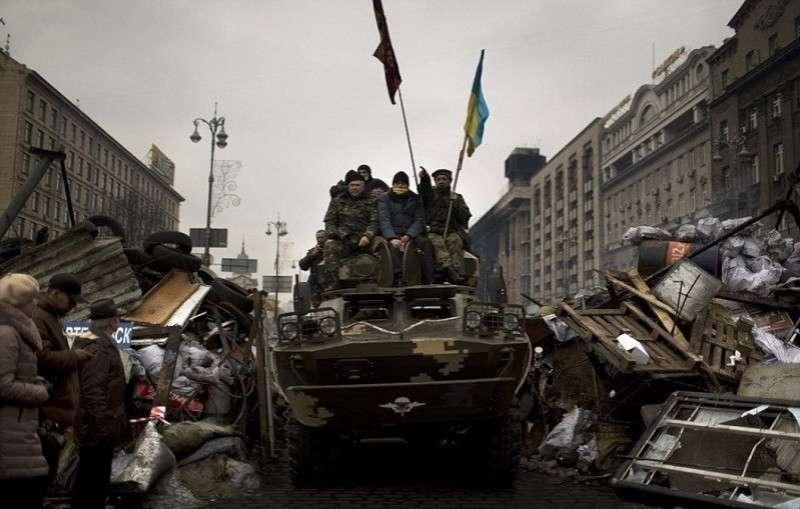 Военное положение на Украине: из-за чего и ради чего