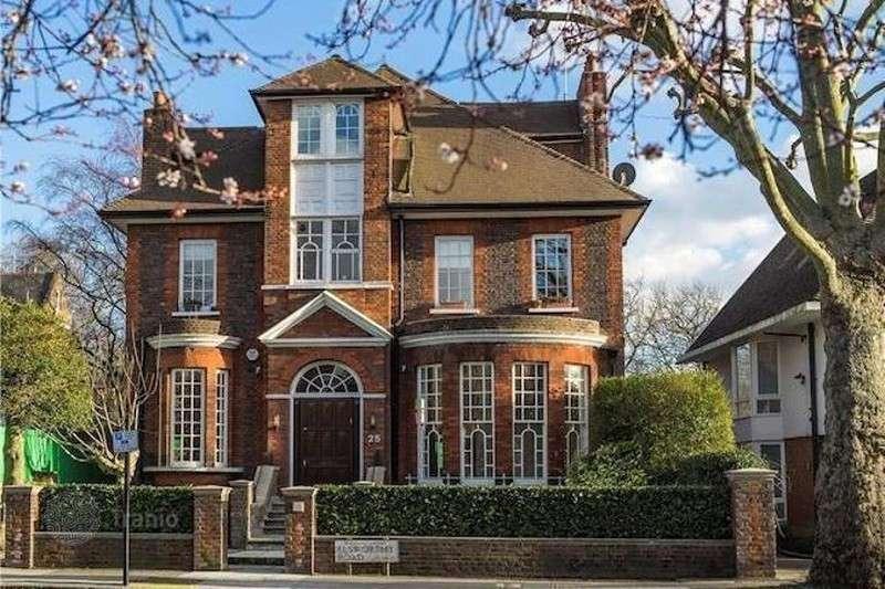 Каждый пятый особняк в Лондоне в этом году куплен еврейской элитой из России