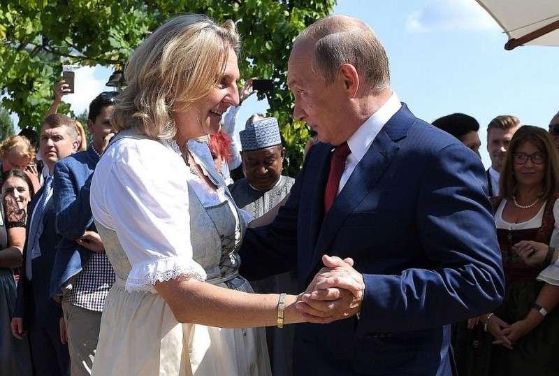Связь Россия-Австрия не только жива, но и активно действует