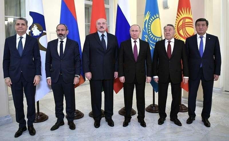 Участники заседания Высшего Евразийского экономического совета. Слева– председатель Коллегии Евразийской экономической комиссии Тигран Саркисян.