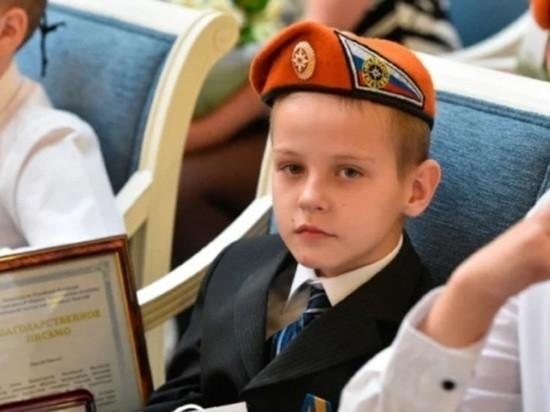 Звезда подарила дом мальчику-герою Максиму Богдану