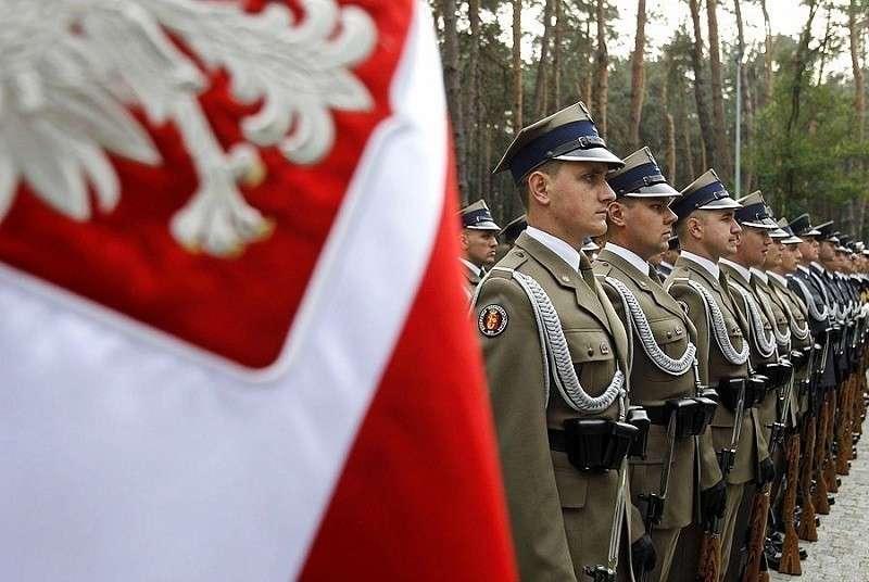 Психоз нарастает: Польша мечтает стать «Фортом-Трамп»