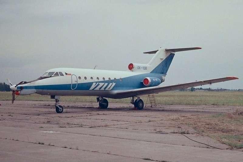 Як-40: советский самолет ставят на крыло