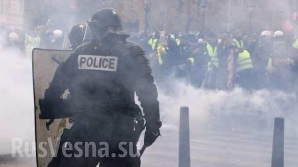 В Париже началась битва «жёлтых жилетов» с полицией. Прямая трансляция