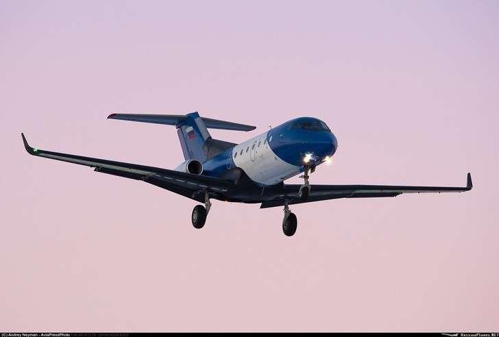 СибНИА испытал вполете Як-40 скомпозитным крылом