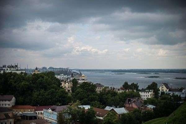 Вид на город со смотровой площадки Нижегородского Кремля