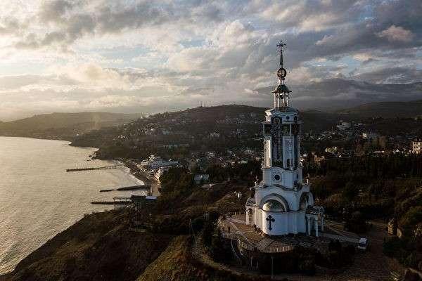 Храм-маяк в селе Малореченское, Крым