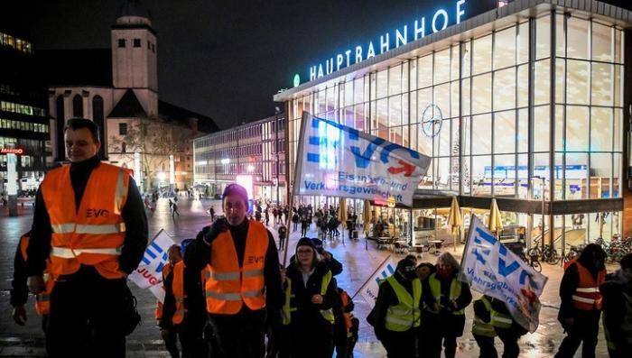 Забастовка железнодорожников парализовала Германию