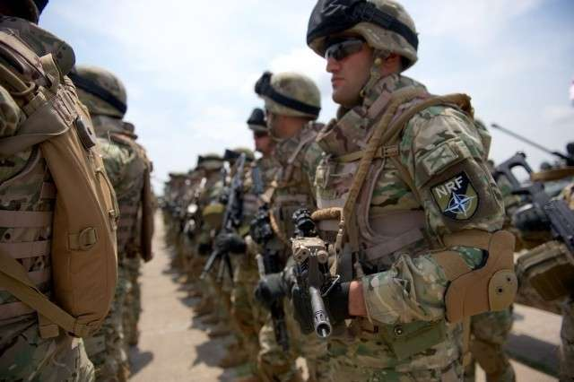 Солдаты НАТО