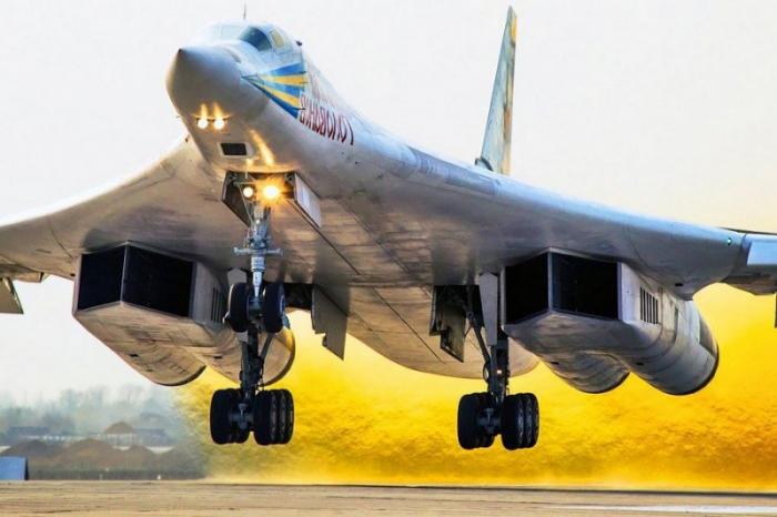 Пентагон в шоке: Россия перебрасывает стратегические ракетоносцы Ту-160 в Венесуэлу