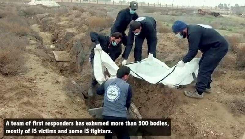 В Сирии обнаружены массовые захоронения жертв бомбардировок коалиции США