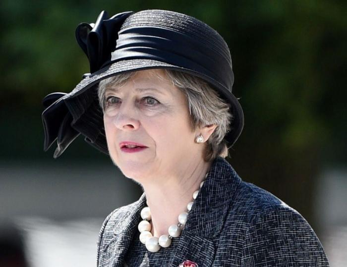 Почему Тереза Мэй сорвала голосование по Брекситу
