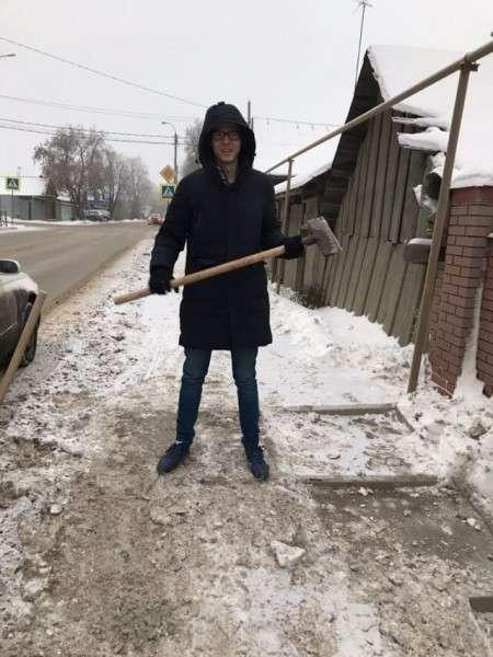 Влад Рябухин – на общественные работы, а жулик Титов – на отдых в Сочи