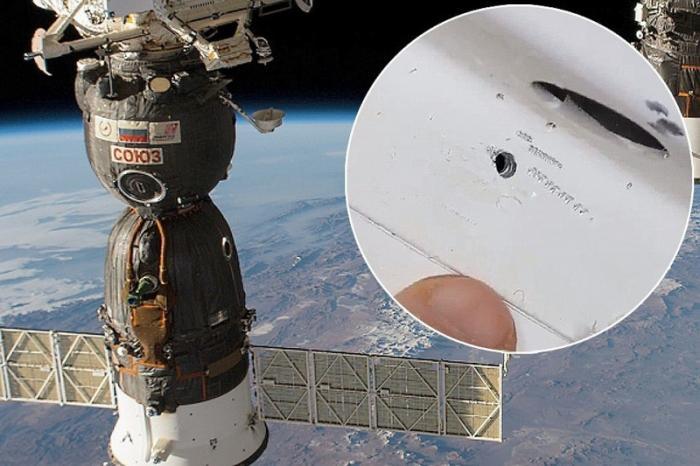 На МКС российские космонавты произведут сбор улик в открытом космосе