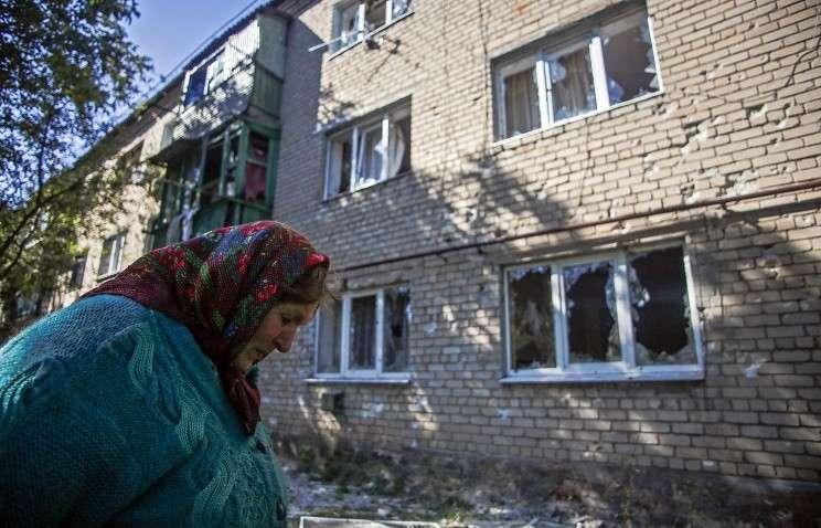 Последствия артобстрела в поселке Пески Донецкой области