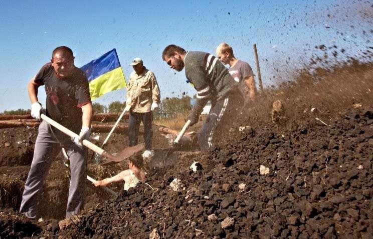Министр соцполитики Украины: к строительству «Стены» привлекут вынужденных переселенцев