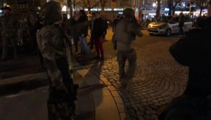 Страсбурский стрелок вступил в бой с военными
