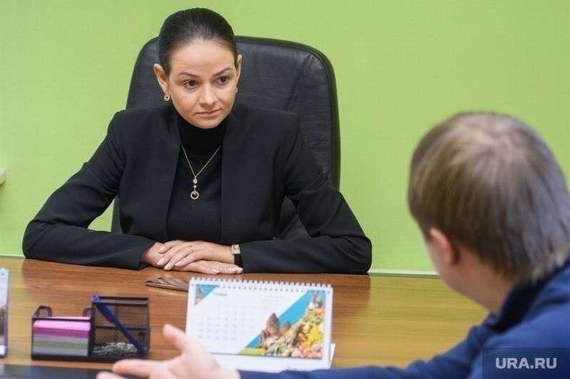 Ольга Глацких учла свою ошибку и теперь к ней нельзя заходить с диктофонами и телефонами
