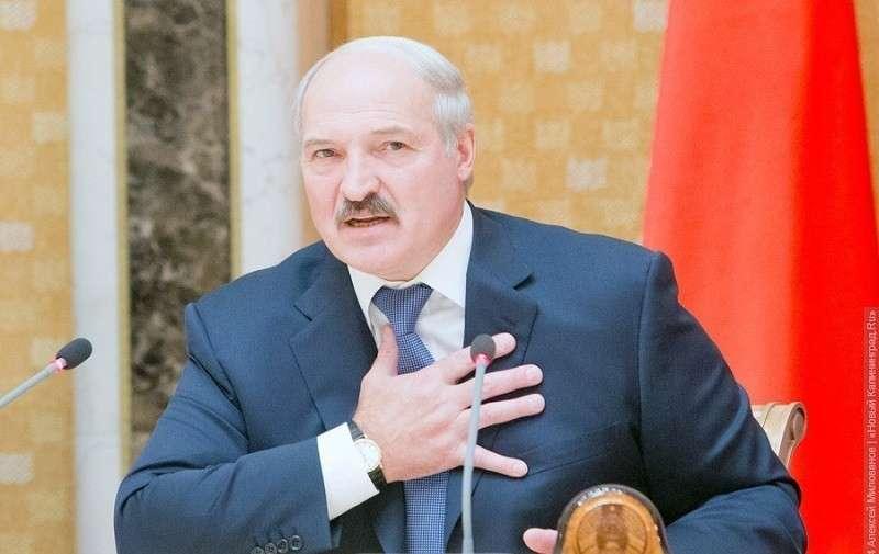 Лукашенко мечтает остаться председателем своего маленького хутора