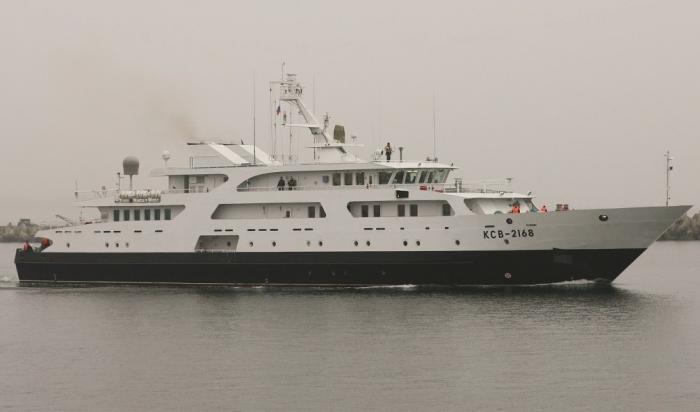 ВМФ России получил новый катер связи КСВ-2168