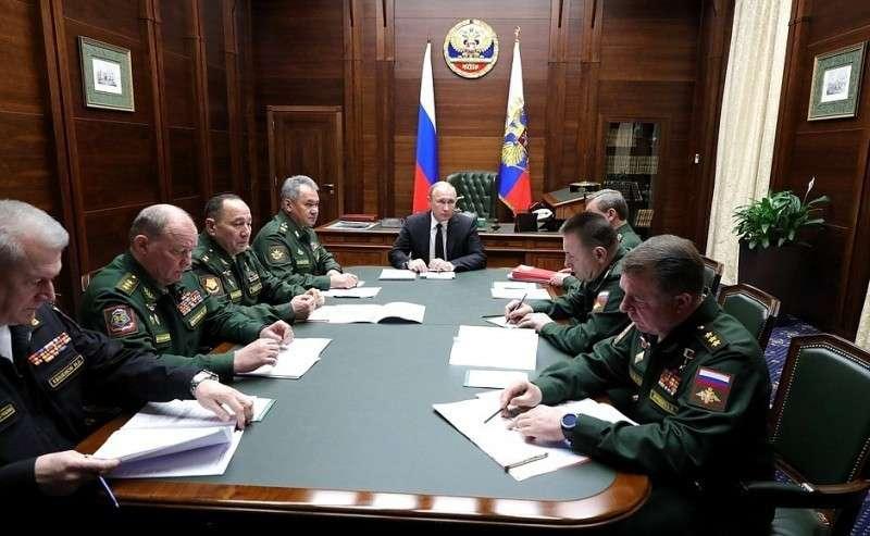 Встреча скомандующими войсками военных округов иСеверным флотом.