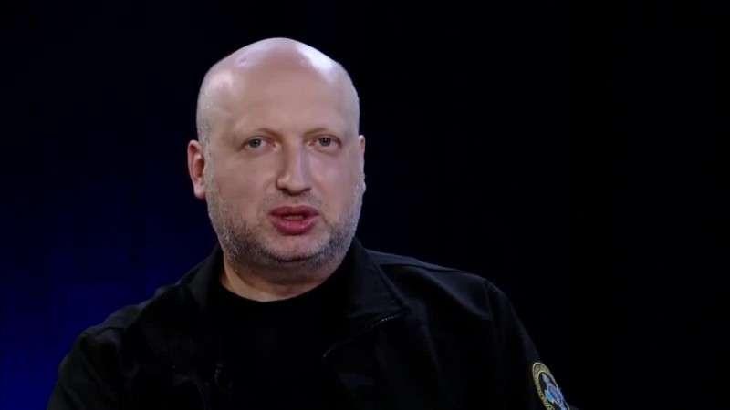 Секретарь СНБО Украины Александр Турчинов пригрозил взорвать Крымский мост