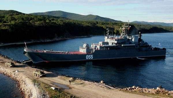 Большой десантный корабль Адмирал Невельской ВМФ России. Архивное фото