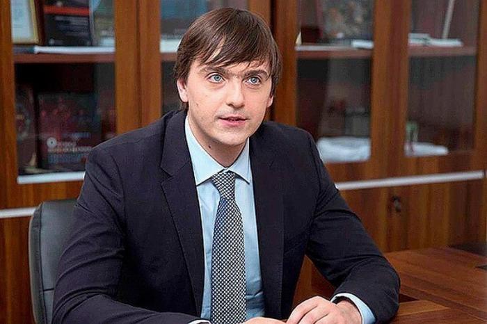 Глава Рособрнадзора Сергей Кравцов: «Дети должны поступать в вуз за знания, а не взятки»