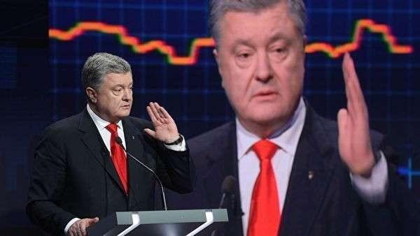 Президент Украины Петр Порошенко во время политического ток-шоу Свобода слова на телеканале ICTV