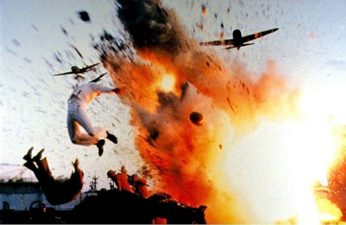 США.Самолёт упал нафутбольное поле