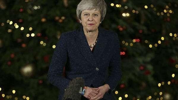 Премьер-министр Великобритании Тереза Мэй на Даунинг-стрит в Лондоне. 12 декабря 2018