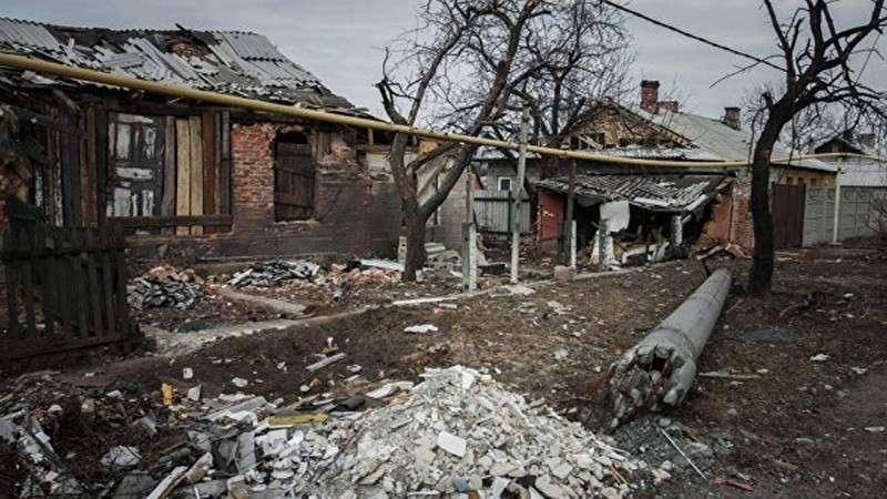 Без автобуса, магазина, аптеки: как выживают люди в прифронтовом посёлках Донбасса?