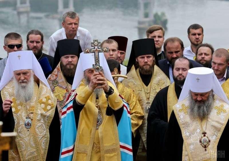 Порошенко подписал закон о переименовании Украинской православной церкви Московского патриархата