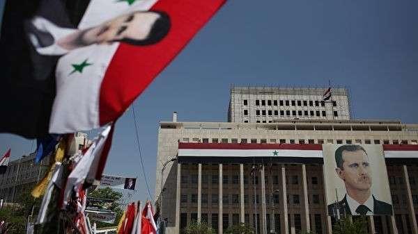 Портрет президента Башара Асада в Дамаске