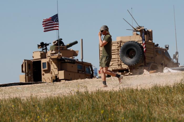 Мэттис подписал приказ о выводе американских войск из Сирии и его уволили