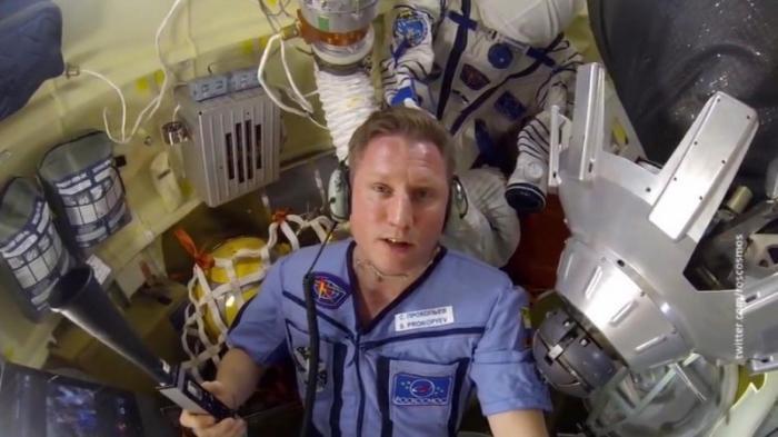 Дырка в «Союзе» МКС была сделана изнутри – заявил космонавт Сергей Прокопьев на пресс- конференции