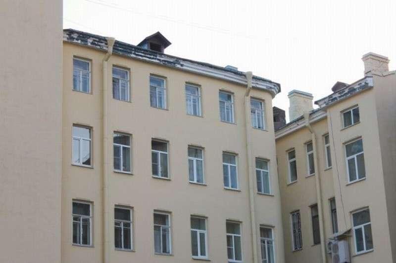 В Петербурге чиновник получил квартиру вместо многодетной матери, которая ожидает её с 1988 года
