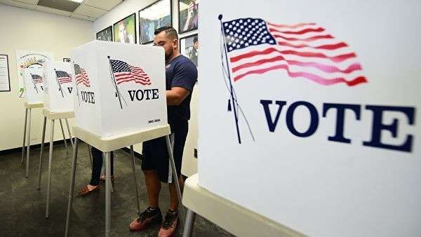 Голосование на промежуточных выборах в конгресс США в Норуолке