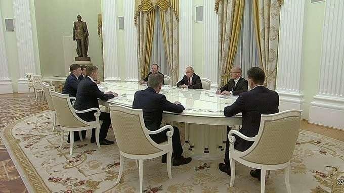 Встреча сизбранными главами регионов