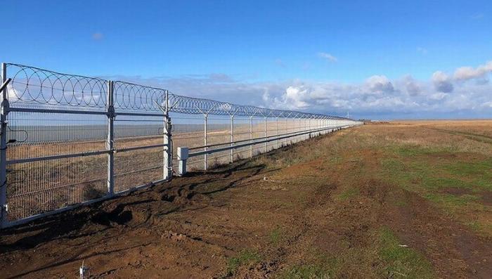 Крым отгородился забором от украинских диверсантов и контрабандистов
