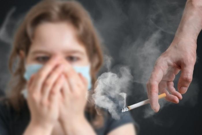 В России курильщиков обязали компенсировать вред соседям за табачный дым