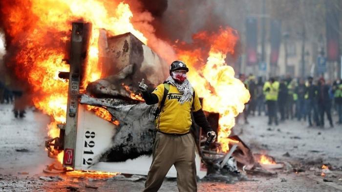Франция: желтые жилеты вышли протестовать в Бордо, Марселе и Париже
