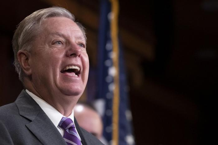 Сенат США уговаривает Трампа повременить с выводом войск из Сирии