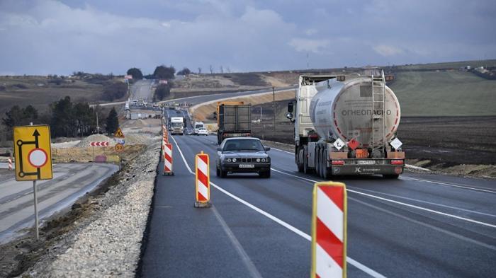 Крым. На трассе «Таврида» от Керчи до Симферополя открыто движение транспорта
